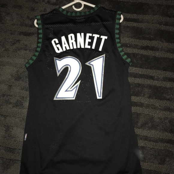 check out 655c7 3a647 Kevin Garnett throwback T-Wolves Jersey